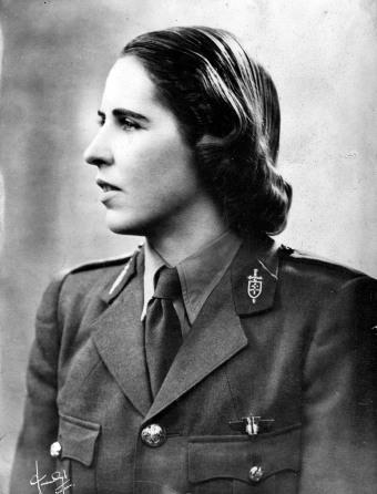 15. Marie Hackin en uniforme de volontaire française