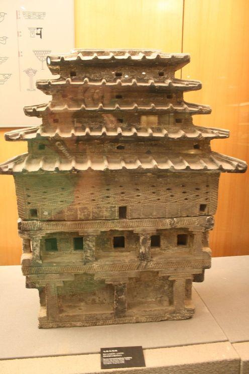 Grenier à grains - mingqi, vers l'an 0, tombe de Weihe, Henan, terre cuite, Zhengzhang, Musée provincial du Henan CC BY-SA 4.0